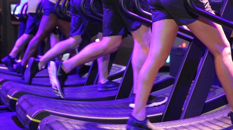 CV18_0323_show-floor_treadmills1-innovation.jpg