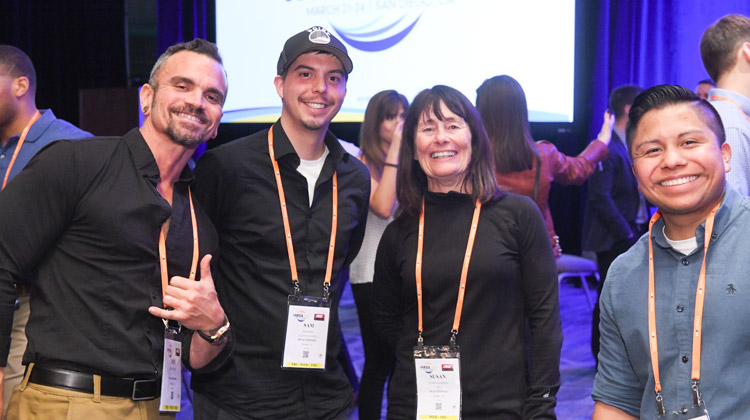 IHRSA2018_Opening-Welcome-Reception_group-photo.jpg