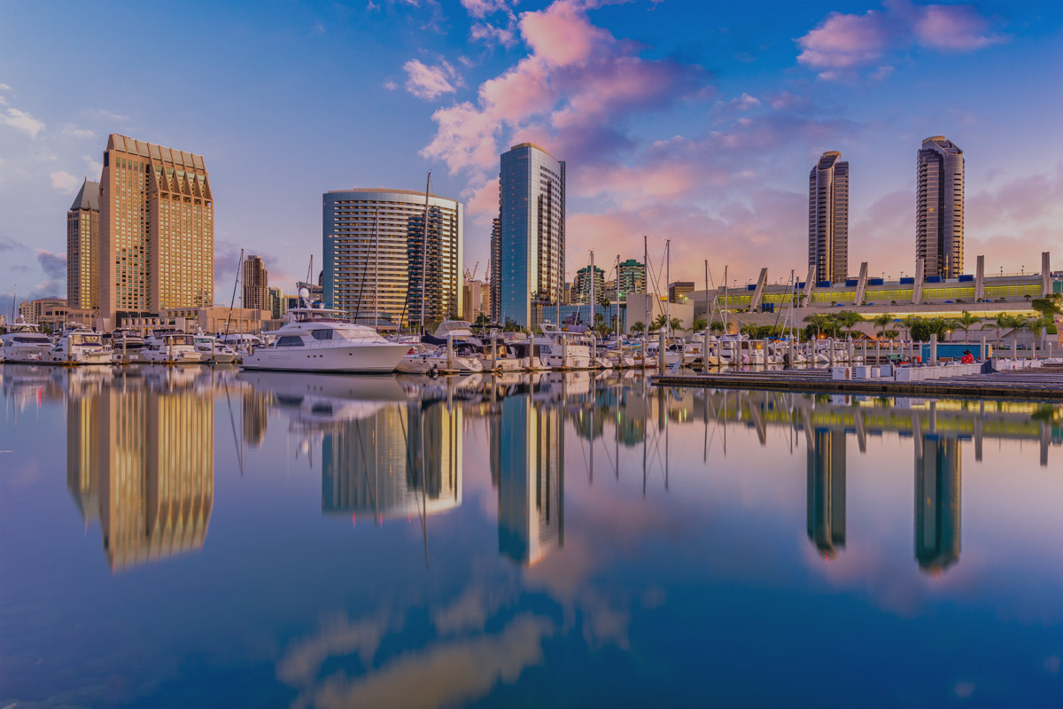 San-Diego,-California,-USA-804554790_dark.jpg