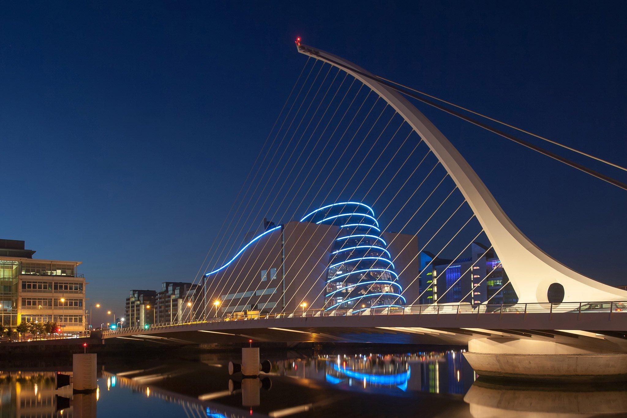dublin-Wide-angle-view-of-Samuel-Beckett-Bridge,-Dublin-179060782_2912x4368